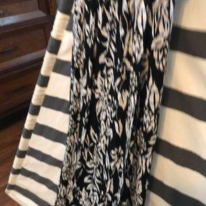 LOFT Dresses - Ann Taylor Loft Maxi Dress with 70s vibe💫 Small